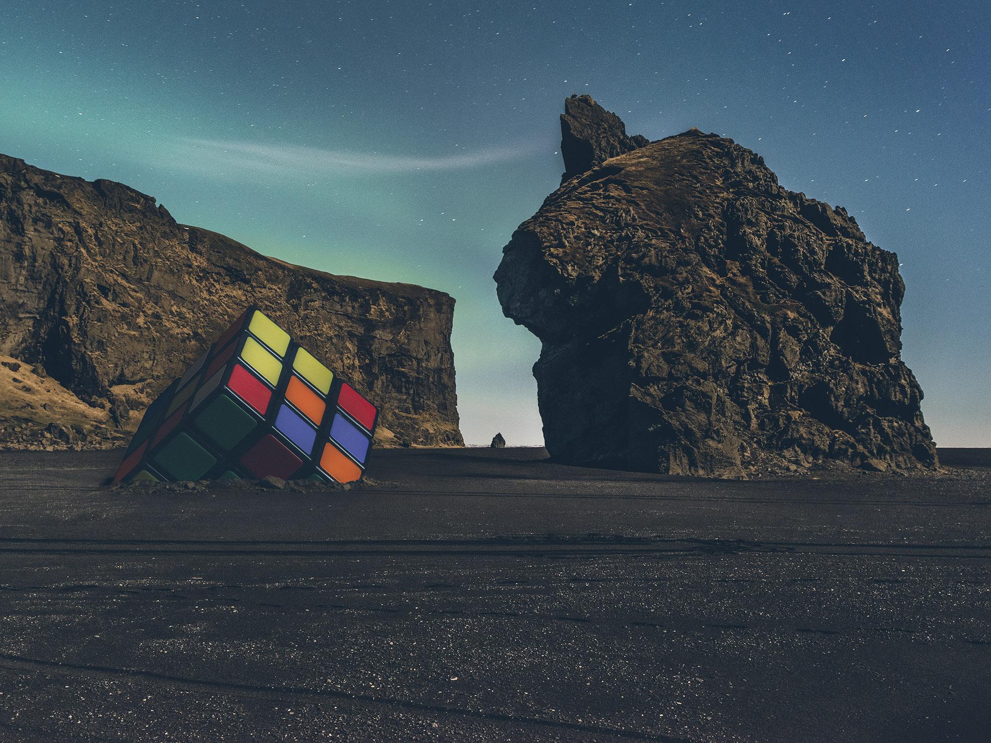 NOSTALGIES_The-cubic-monolith_Vincent_Bousserez