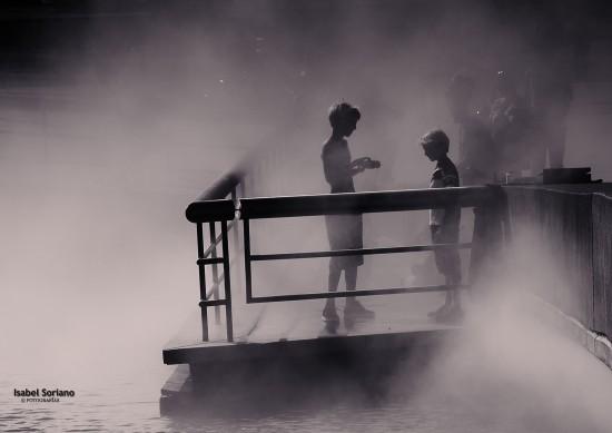 Niños en la niebla